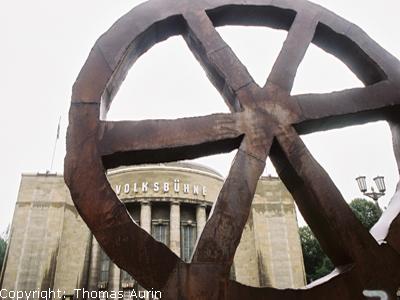 Foto Volksbühne am Rosa-Luxemburg-Platz Berlin