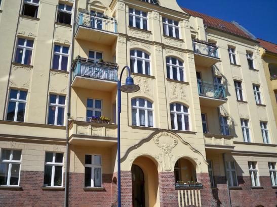 wundersch nes altbauzimmer im zentrum wg zimmer in frankfurt oder mitte. Black Bedroom Furniture Sets. Home Design Ideas