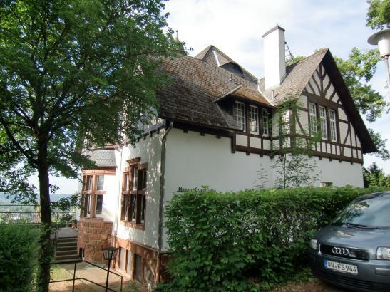 wohnen und studieren mit den hessen westfalen wohngemeinschaft in marburg kernstadt. Black Bedroom Furniture Sets. Home Design Ideas
