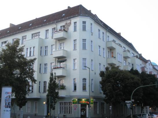 sch ne 2 zimmerwohnung in prenzlauer berg wohnung in berlin prenzlauer berg. Black Bedroom Furniture Sets. Home Design Ideas