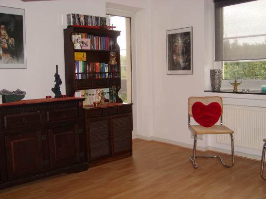 Sehr Schöne 2 Raum Wohnung Mit Blick Auf Waldstück Wohnung In