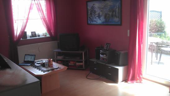 wundersch ne 2 zimmer wohnung mit terrasse sucht nachmieter wohnung in w rzburg g ntersleben. Black Bedroom Furniture Sets. Home Design Ideas