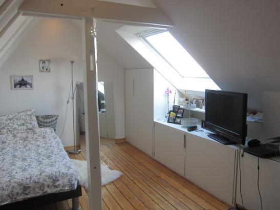 wg zimmer in sch ner wohnung zu vermieten wohngemeinschaften in d sseldorf golzheim. Black Bedroom Furniture Sets. Home Design Ideas