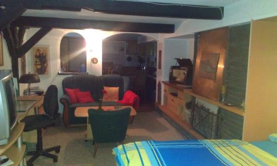 400 euro f r studenten und auszubildente souterain g stezimmer 1 zimmer wohnung in kassel am. Black Bedroom Furniture Sets. Home Design Ideas