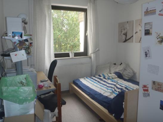 ab sofort m bliertes 12 5m zimmer zur zwischenmiete m blierte wg bielefeld bielefeld. Black Bedroom Furniture Sets. Home Design Ideas