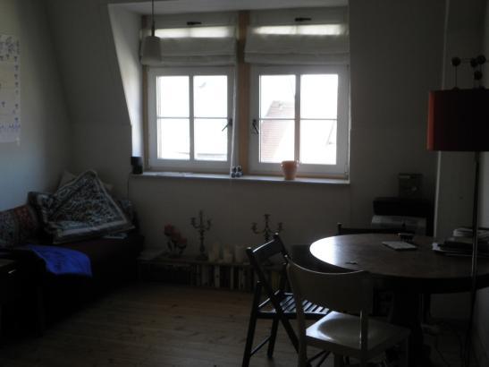 unsanierte 2 zimmerwohnung unterm dach 1 zimmer wohnung in dresden neustadt. Black Bedroom Furniture Sets. Home Design Ideas