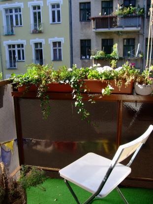 sublet untermiete altbau mit holzdielen stuck und balkon in neuk lln wohnung in berlin neuk lln. Black Bedroom Furniture Sets. Home Design Ideas
