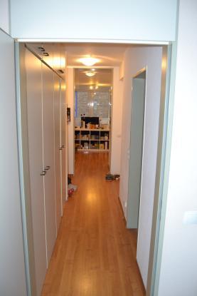2 zimmer wohnung direkt am friesenplatz wohnung in k ln. Black Bedroom Furniture Sets. Home Design Ideas