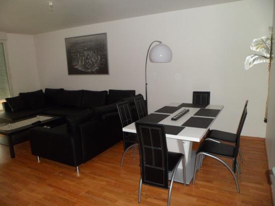 m bliertes 12 qm zimmer zu vermieten f r 380 euro wg zimmer in strasbourg illkirchgraffenstaden. Black Bedroom Furniture Sets. Home Design Ideas