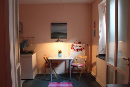 m bliertes appartment auf zeit in rhein n he 1 zimmer wohnung in d sseldorf golzheim. Black Bedroom Furniture Sets. Home Design Ideas