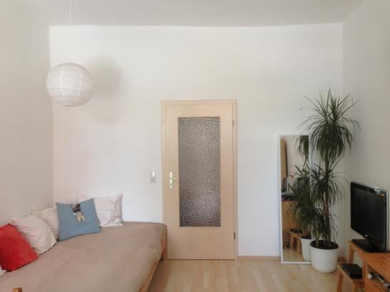 zentrumsnahe wohnung wer will n chste woche einziehen 1 zimmer wohnung in chemnitz. Black Bedroom Furniture Sets. Home Design Ideas