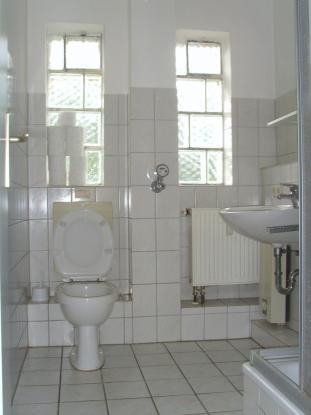g nstig wohnen in neum nster wohnung in neum nster innenstadt. Black Bedroom Furniture Sets. Home Design Ideas