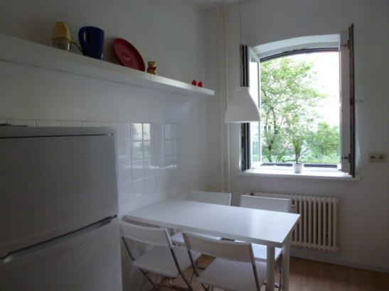 helle m blierte 2 gleiche zimmer wohnung wohnung in berlin charlottenburg. Black Bedroom Furniture Sets. Home Design Ideas