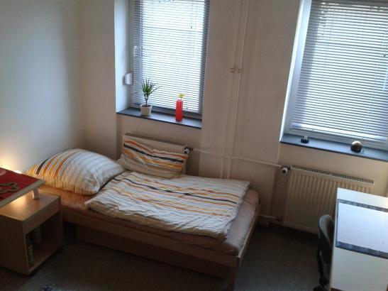 apartment im studentenwohnheim zur zwischenmiete m bliert 1 zimmer wohnung in mannheim. Black Bedroom Furniture Sets. Home Design Ideas
