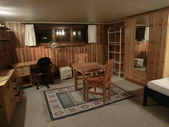 20 quadratmeter gro es zimmer im efh in 4er wg in niendorf. Black Bedroom Furniture Sets. Home Design Ideas