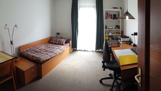 komplett ausgestattetes studenten apartment mannheim 1 zimmer wohnung in mannheim neckarau. Black Bedroom Furniture Sets. Home Design Ideas