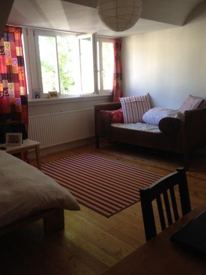 zimmer in sch nem haus nahe mannheim zu vermieten haus in ludwigshafen am rhein s d. Black Bedroom Furniture Sets. Home Design Ideas