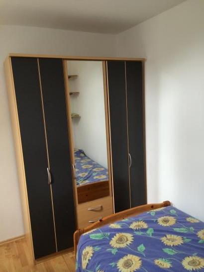 wundersch ne maisonette wohnung voll m bliert zu vermieten. Black Bedroom Furniture Sets. Home Design Ideas