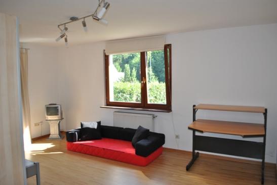 helle freundliche 1 zimmer wohnung in ruhiger lage 1. Black Bedroom Furniture Sets. Home Design Ideas