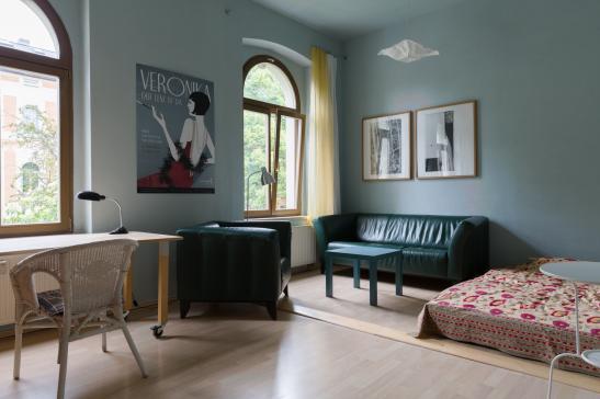 sch nes go es m bliertes zimmer im m hlwegviertel wg zimmer in halle saale m hlweg. Black Bedroom Furniture Sets. Home Design Ideas