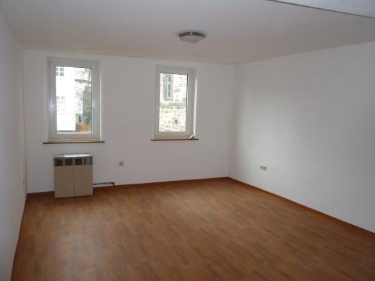 Ruhiges renoviertes zimmer in der oberstadt zentral 05 for Wohnung gesucht