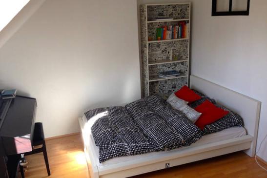 sch ne einzimmerwohnung mit separater k che direkt an der isar 1 zimmer wohnung in m nchen au. Black Bedroom Furniture Sets. Home Design Ideas