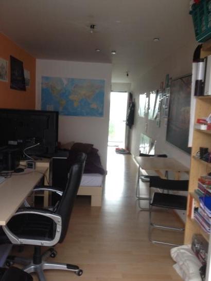 sch nes 1 zimmer appartement mit perfekter lage f r studenten 1 zimmer wohnung in regensburg. Black Bedroom Furniture Sets. Home Design Ideas