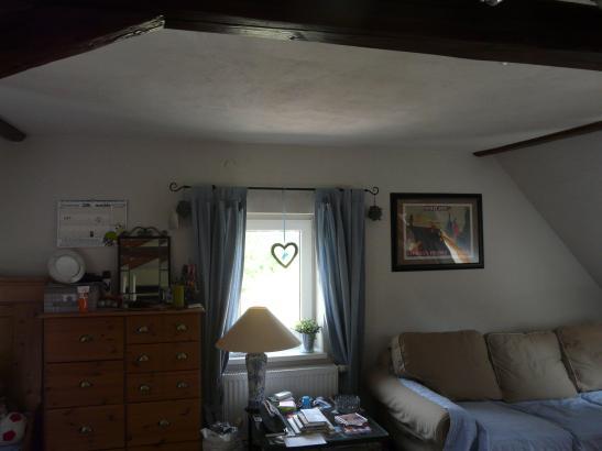sch nes zimmer im ruhigen gebiet zu vermieten 1 zimmer wohnung in weimar s dstadt. Black Bedroom Furniture Sets. Home Design Ideas