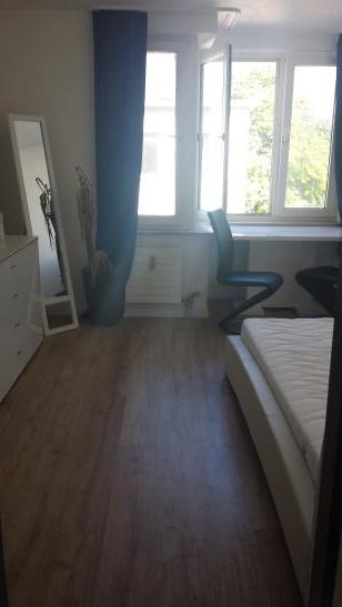 studentenwohnung in zentraler lage 1 zimmer wohnung in. Black Bedroom Furniture Sets. Home Design Ideas