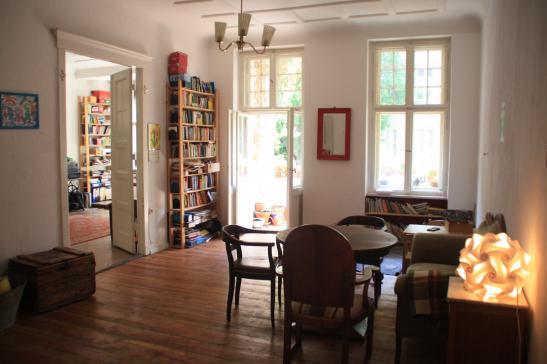silvester in berlin gro e altbauwohnung f r 6 personen wohnung in berlin neuk lln. Black Bedroom Furniture Sets. Home Design Ideas