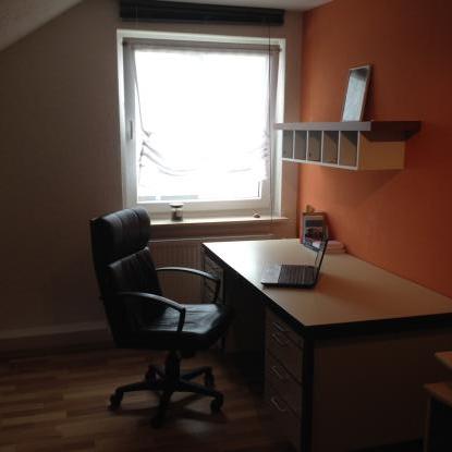 zweizimmer wohnung zur zwischenmiete wohnung in villingen schwenningen schwenningen. Black Bedroom Furniture Sets. Home Design Ideas