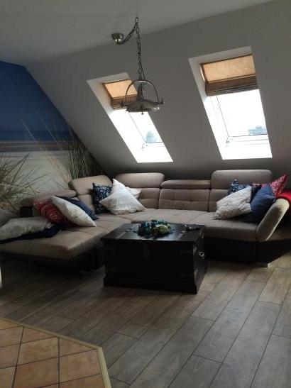 wg zimmer auf eigener etage in maisonette wohnung. Black Bedroom Furniture Sets. Home Design Ideas