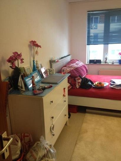 g nstige und gem tliche 1 zimmer wohnung in l neburg. Black Bedroom Furniture Sets. Home Design Ideas