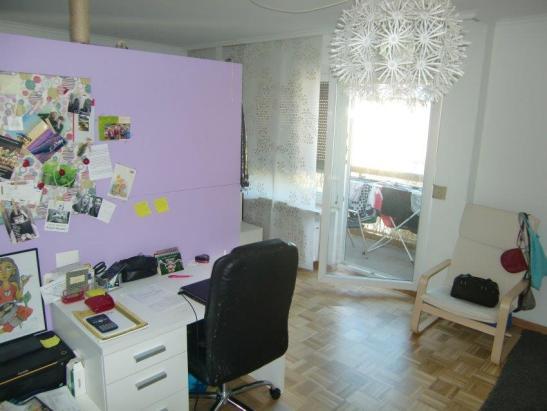 gro z giges zimmer mit balkon in sch ner 2er wg wohngemeinschaften in rosenheim stadt fh n he. Black Bedroom Furniture Sets. Home Design Ideas