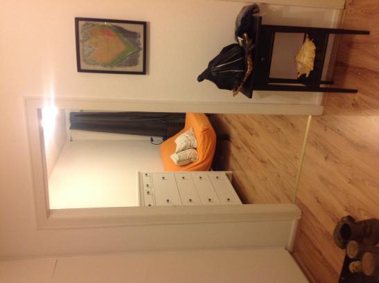 teilm billiertes zimmer in einer nette 2er wg suche wg hamburg winterhude. Black Bedroom Furniture Sets. Home Design Ideas