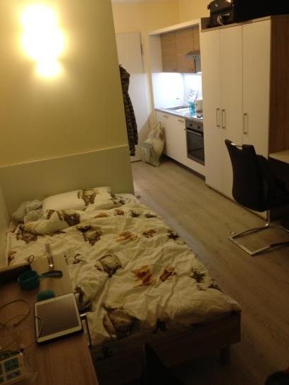 uni apart mietpreis verhandelbar zentrales zimmer ganz neu 1 zimmer wohnung in bayreuth city. Black Bedroom Furniture Sets. Home Design Ideas
