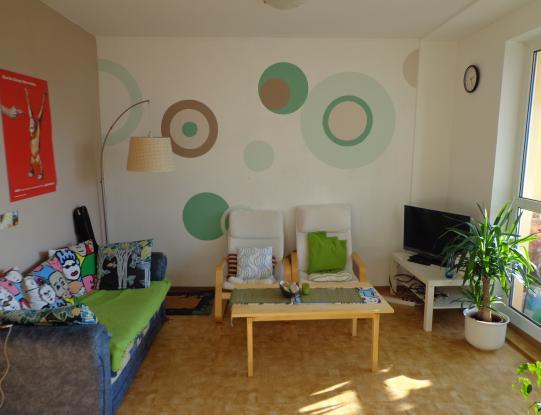 WG Mit Riesigem Wohnzimmer Inklusive Grossem S