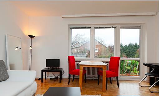 g nstige wohnung in gr ne und ruhige lager nur f r 1. Black Bedroom Furniture Sets. Home Design Ideas