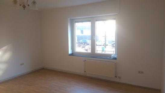 1 zimmerwohnung mit gro er k che zu vermieten wohnung in d sseldorf oberbilk. Black Bedroom Furniture Sets. Home Design Ideas