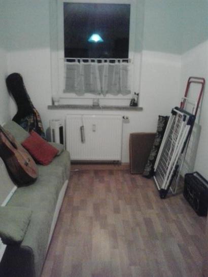 m bliertes zimmer in kamenz bei dresden wohngemeinschaften kamenz stadt kamenz. Black Bedroom Furniture Sets. Home Design Ideas