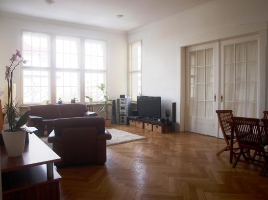 zimmer von 23m plus 130qm gemeinschaftsfl che wg suche berlin charlottenburg wilmersdorf. Black Bedroom Furniture Sets. Home Design Ideas