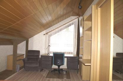 zimmer 2 in gro er 70 qm dg wohnung wg zimmer in villingen schwenningen schwenningen. Black Bedroom Furniture Sets. Home Design Ideas