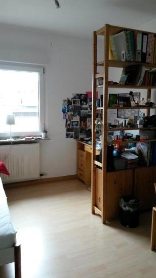 15qm uninah mit balkon und gro er k che zur zwischenmiete wg zimmer in karlsruhe oststadt. Black Bedroom Furniture Sets. Home Design Ideas