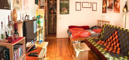 helle m blierte ruhige wohnung hinterhaus im weddinger sprengelkiez 1 zimmer wohnung in. Black Bedroom Furniture Sets. Home Design Ideas