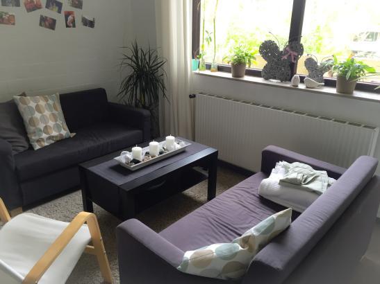 helles 13qm zimmer im bielefelder westen uni nah wg zimmer in bielefeld dornberg. Black Bedroom Furniture Sets. Home Design Ideas