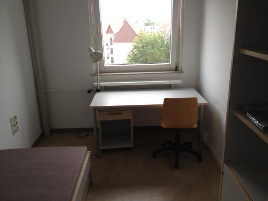 wohnheimzimmer in der dorotheenstra e 7 abzugeben 1. Black Bedroom Furniture Sets. Home Design Ideas