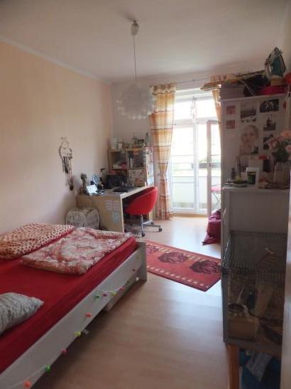 m bliertes 14qm zimmer mit balkon in gem tlicher 2er wg wg zimmer dresden m bliert dresden. Black Bedroom Furniture Sets. Home Design Ideas