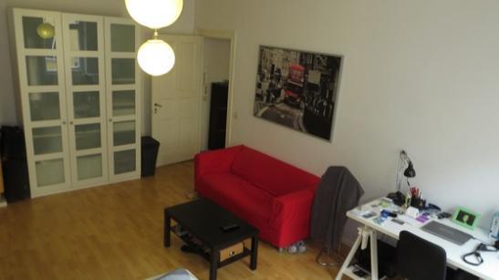helles wg zimmer 25qm in berlin friedrichshain suche wg berlin friedrichshain. Black Bedroom Furniture Sets. Home Design Ideas