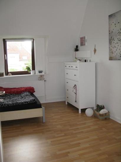 helles wg zimmer in sch ner lister wohnung wohngemeinschaften in hannover list. Black Bedroom Furniture Sets. Home Design Ideas