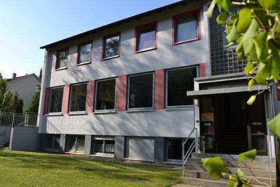 wohnen im gr nen wg suche w rzburg steinbachtal. Black Bedroom Furniture Sets. Home Design Ideas
